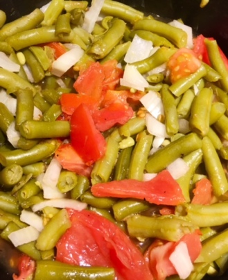 Today's lunch: green beans with onions and fresh tomatoes
