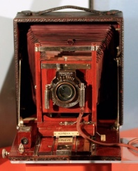 The camera which captured the first flight in 1903 can be seen on display at Dayton's Carillon Park.
